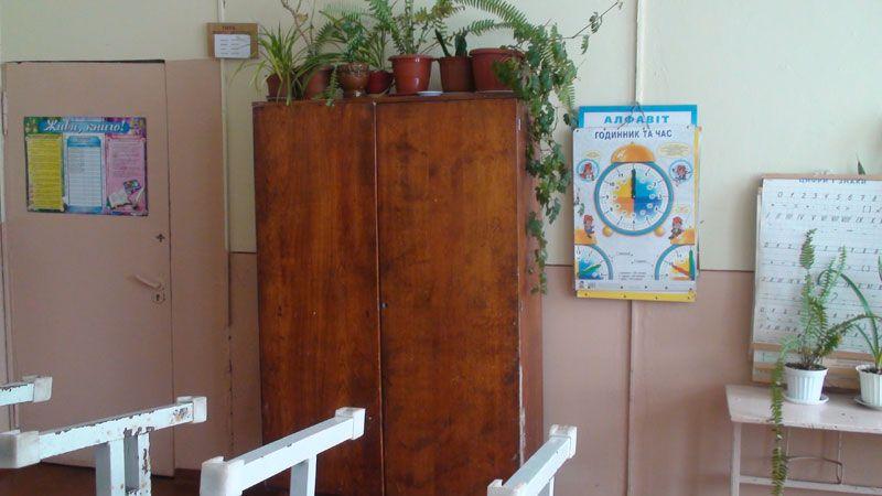 Заміна шкільних шаф в ЗОШ с.Хриплин
